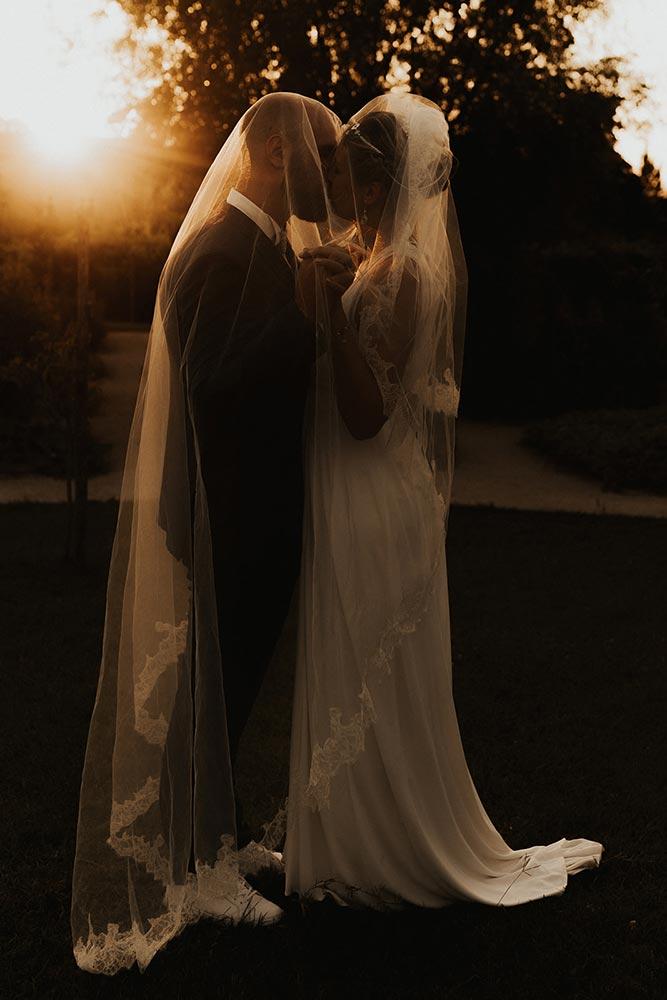 Mariage romantique golden hour
