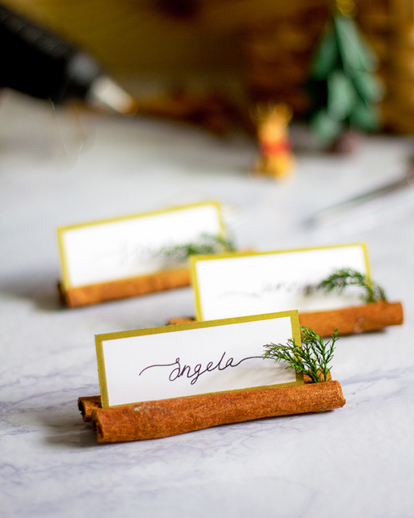 Décoration bâtons de cannelle pour mariage d'hiver
