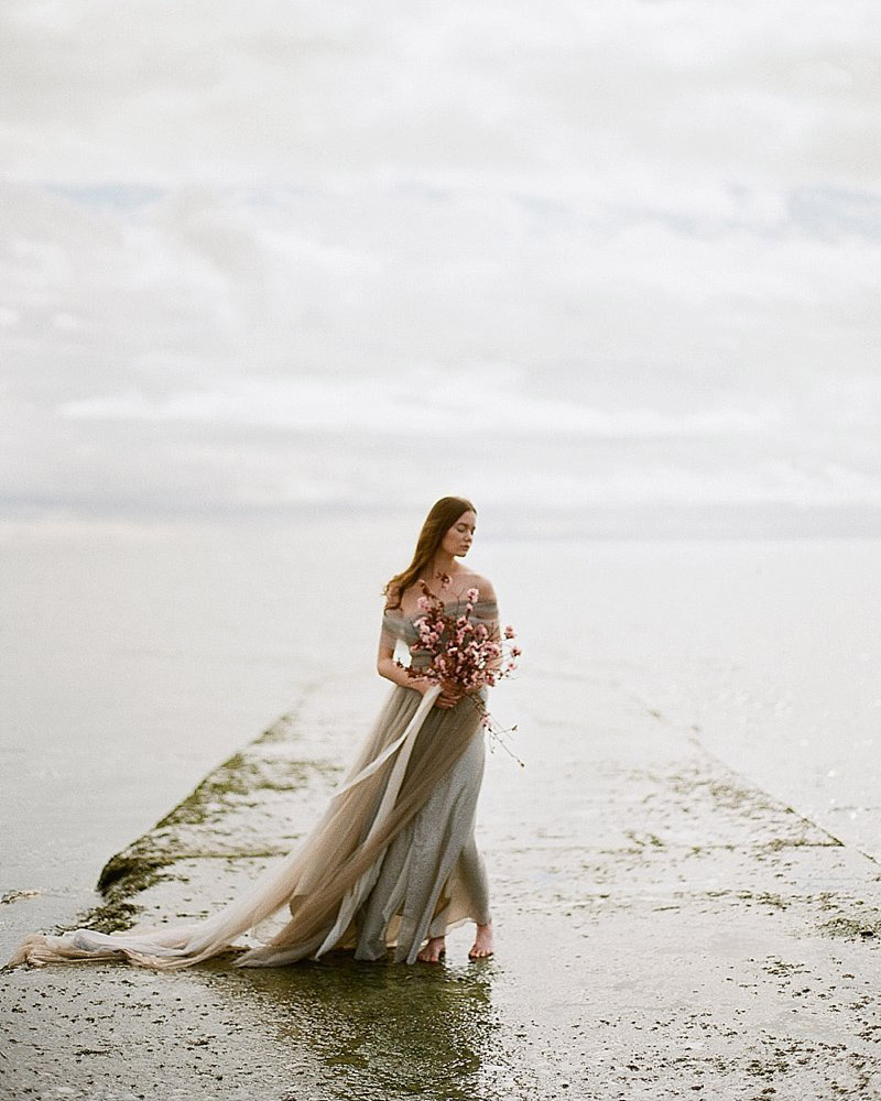 Mariée sur la jetée