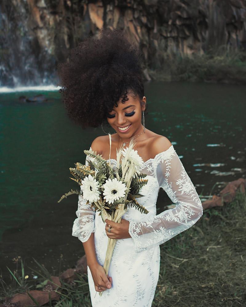 Coiffure de mariée afro