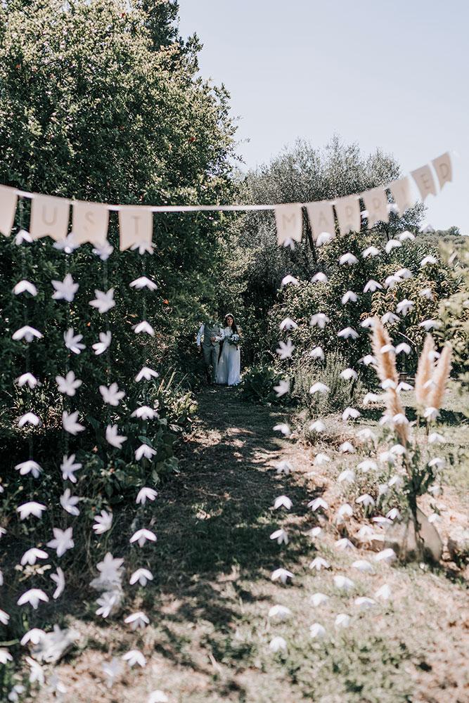 Rideau de fleurs en papier
